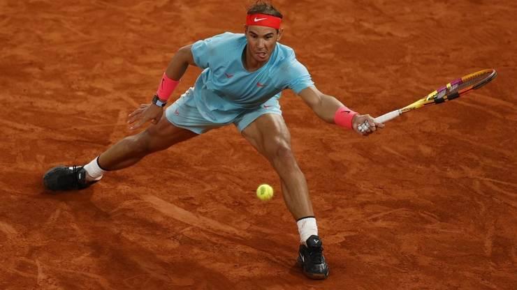 Spaniolul Rafael Nadal a câstigat al 13-lea trofeu la Roland Garros impunându-se în finalà în fata sârbului Novak Djokovic, numàrul 1 mondial.