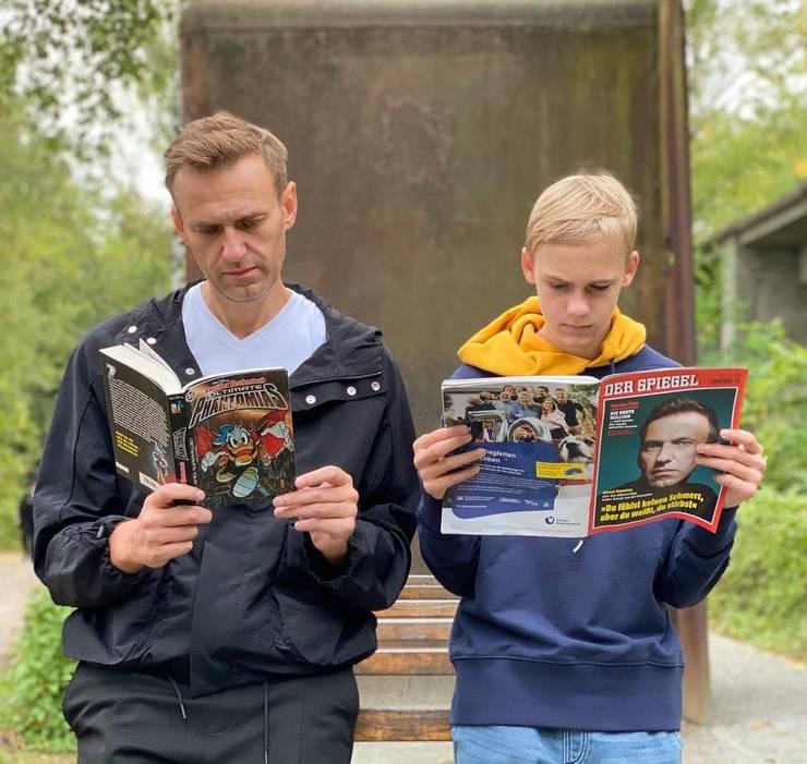 Liderul opoziției din Rusia, Alexei Navalnîi, a revenit atenția publică, la numai o săptămână de la externare, prin două interviuri de răsunet.