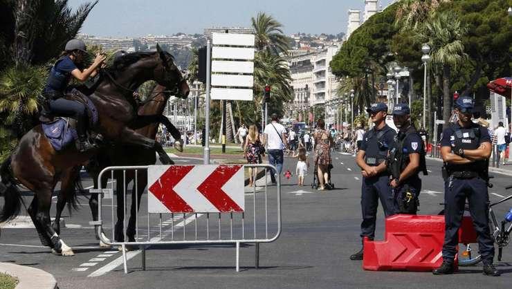 Promenada englezilor de la Nisa, trei zile dupà atentatul din 14 iulie 2016
