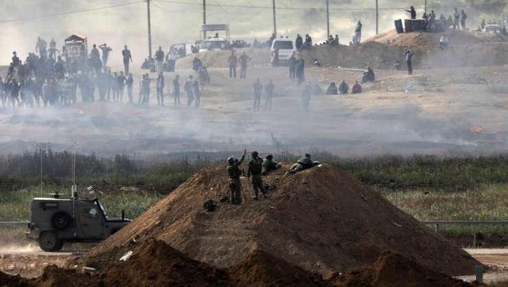 O nouă zi de ciocniri violente între israelieni şi palestinieni (Foto: Reuters/Amir Cohen)