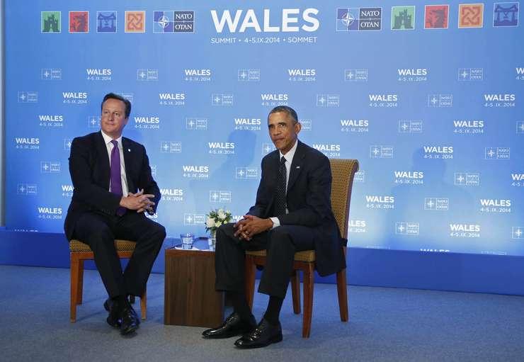 Premierul britanic David Cameron si presedintele SUA Barack Obama la summitul NATO de la Newport din 4 septembrie 2014