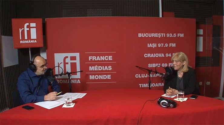 Ovidiu Nahoi și Lidia Moise in studioul RFI Romania