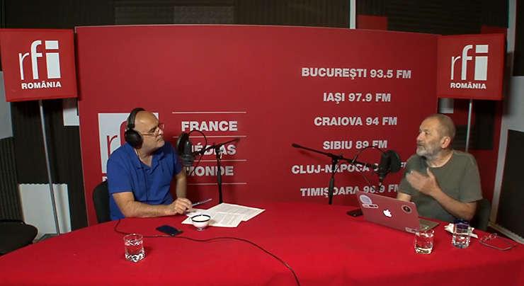 Ovidiu Nahoi si Mircea Toma in studioul de inregistrari RFI Romania