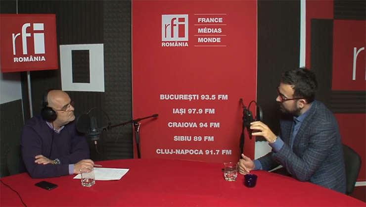 Ovidiu Nahoi și Radu Magdin in studioul de inregistrari RFI Romania
