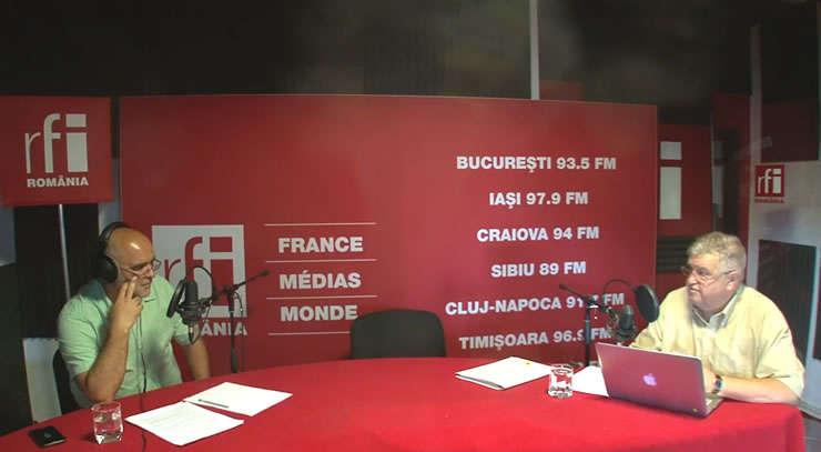 Ovidiu Nahoi și Alexandru Grumaz in studioul de inregistrari RFI Romania