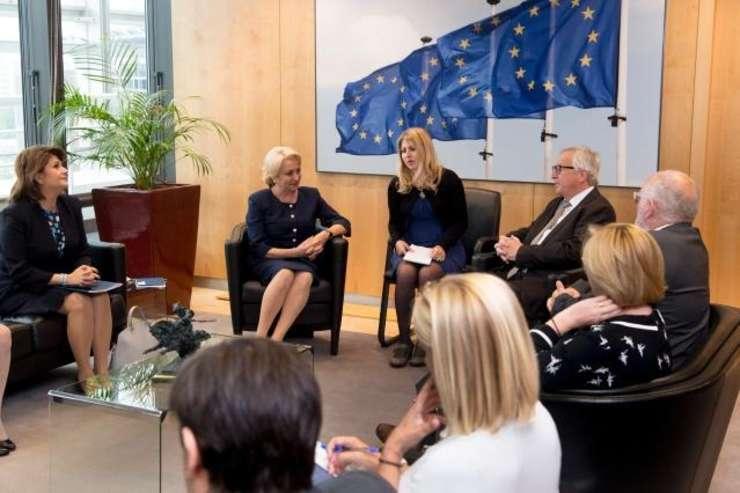 Juncker Dancila interpret