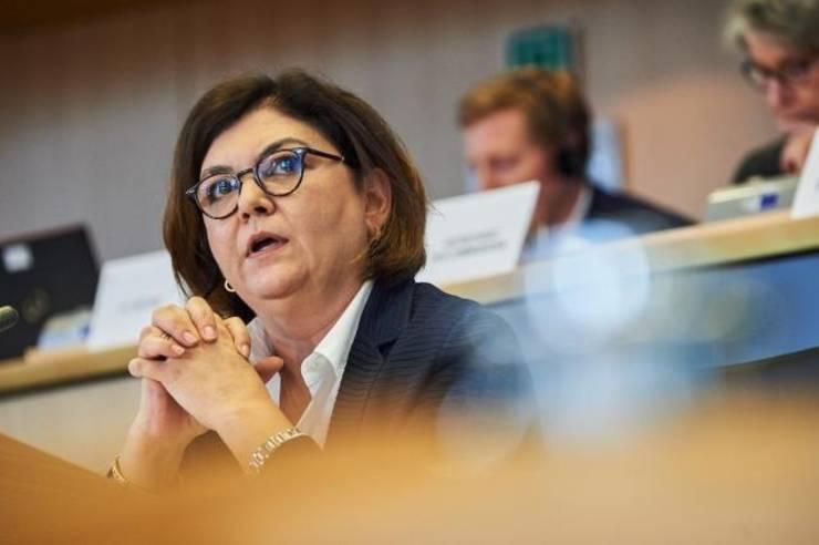 Adina Vălean a fost avizată favorabil de comisia pentru Transporturi a Parlamentului European, in functia de comisar
