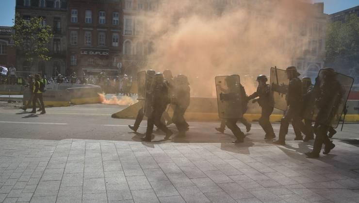 Franţa se confruntă astazi cu o nouă zi de greve si manifestatii fata de reforma sistemului de pensii