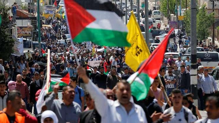 Manifestanti solidari cu detinutii palestinieni din Israel. Bethleem, 17 aprilie 2017