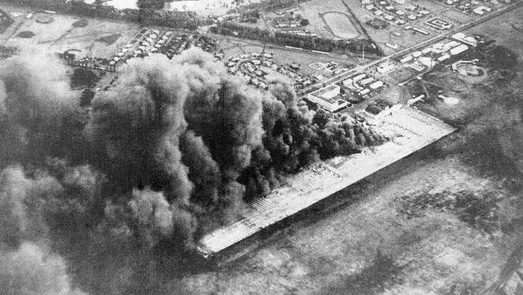 Baza aerianà Wheeler Army Airfield atacatà de armata japonezà la Pearl Harbor, pe 7 decembrie 1941