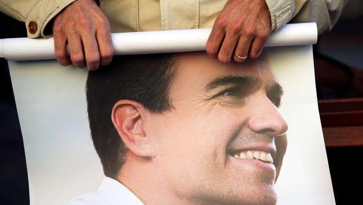 Pedro Sanchez era adeptul unei linii foarte dure fatà de guvernul conservator spaniol