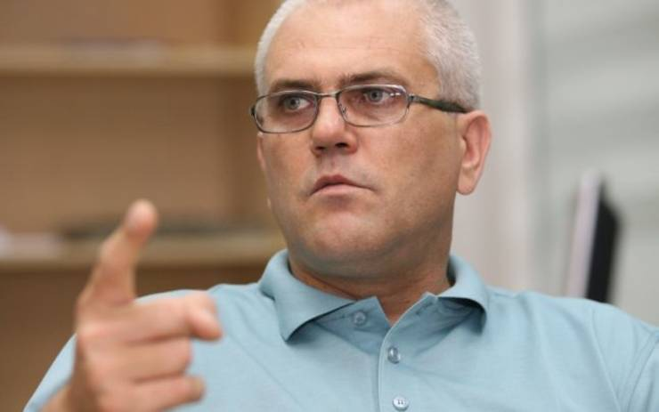 """Marius Pieleanu:""""Dezbaterile suprapuse ale candidaților la prezidențiale nu pot înlocui întâlnirea față în față. Democrația iese în pierdere"""""""