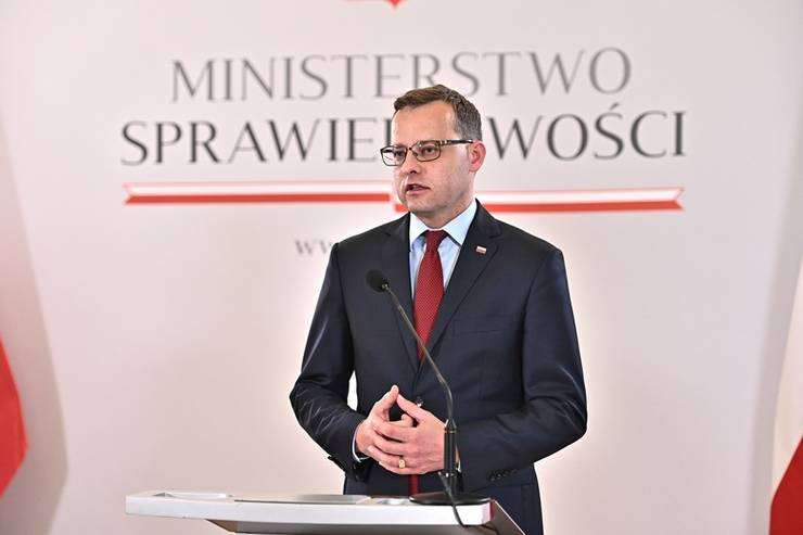 Zbigniew Ziobro, ministrul polonez al justitiei, este la originea condamnàrii Poloniei de càtre CEDO.