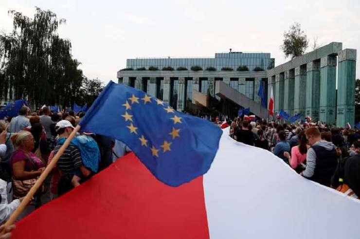 Duminică, alegeri parlamentare în Polonia. E cel mai important scrutin din 1989