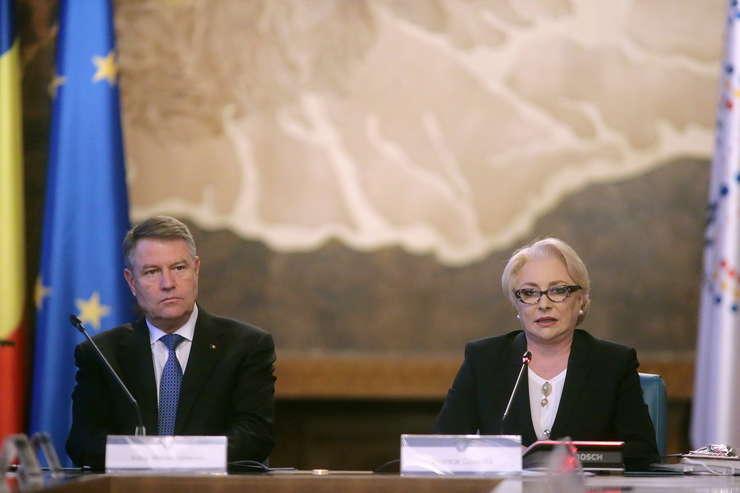 Preşedintele Klaus Iohannis, în conflict cu premierul Viorica Dăncilă (Sursa foto: gov.ro)