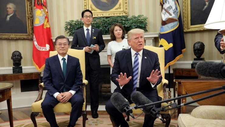 Presedintele american Donald Trump si omologul sud-coreean Moon Jae-in, Casa Alba, 2017.