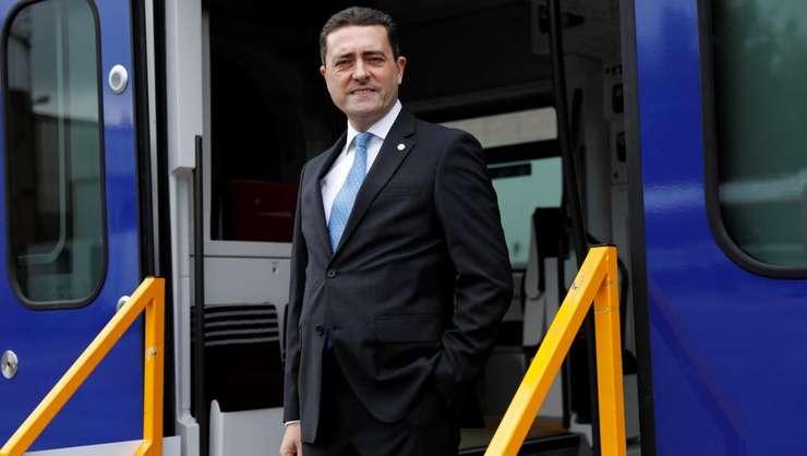Presedintele-director general al Bombardier Franta, Laurent Bouyer la uzina Crespin in apropiere de Valenciennes