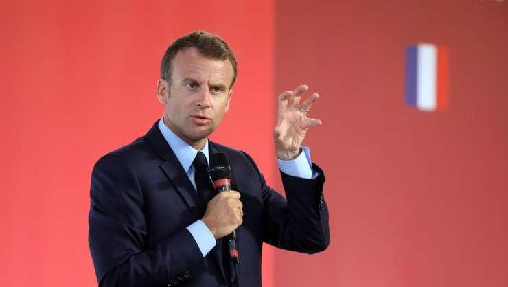 Presedintele Emmanuel Macron vrea sa îi atraga în marea dezbatere nationala pe locuitorii zonelor defavorizate si pe tineri.