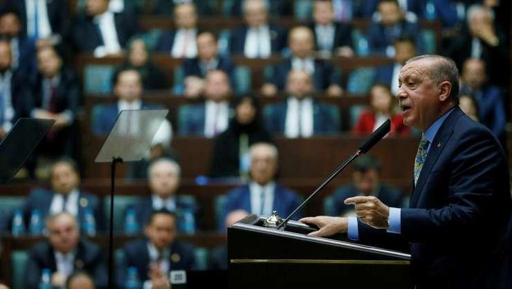 Presedintele Recep Tayyip Erdogan se adreseaza membrilor Parlamentului turc, 23 octombrie 2018.