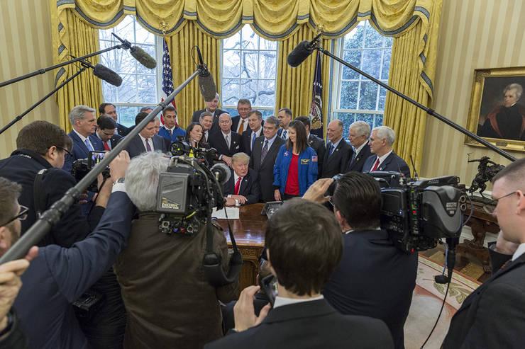 Jurnalul tranziției: Trump în luptă cu adevărul
