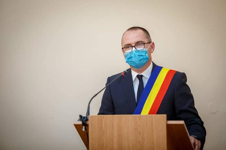 Attila Korodi critică decizia de prelungire a vacanței de primăvară a elevilor (Sursa foto: Facebook/Attila Korodi)