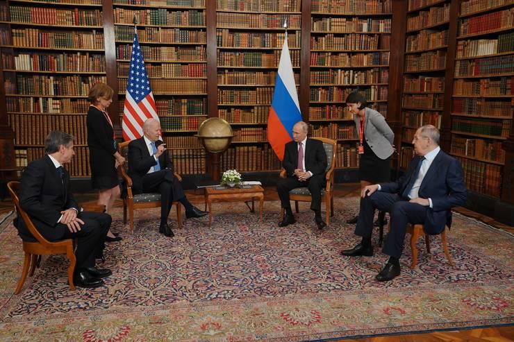 Scandal între Washington şi Moscova pe tema personalului misiunilor diplomatice (Sursa foto: Facebook/Casa Albă)