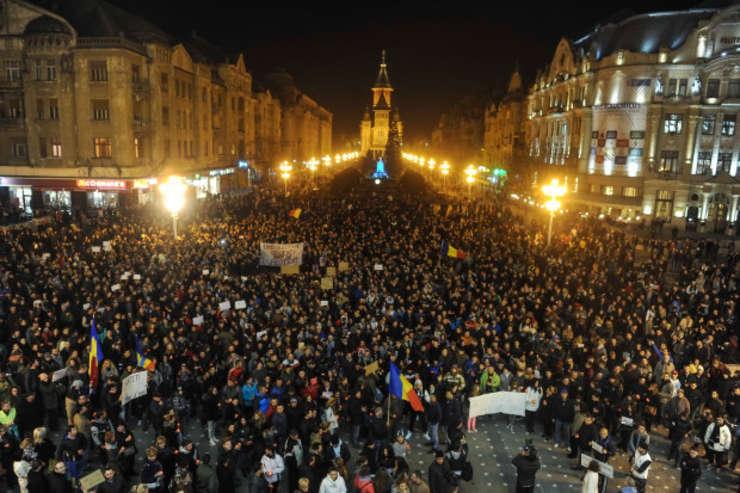 iderii PSD din ţară aşteaptă o decizie de la Bucureşti în privinţa unei contra-manifestaţii dupa protestele de amploare de aseara