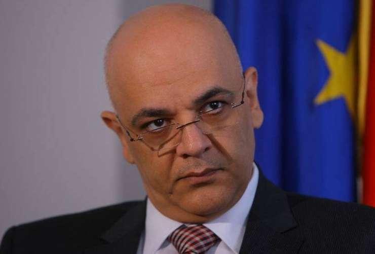 Raed Arafat este secretar de stat în cadrul MAI și şefa al Departamentului pentru Situaţii de Urgenţă