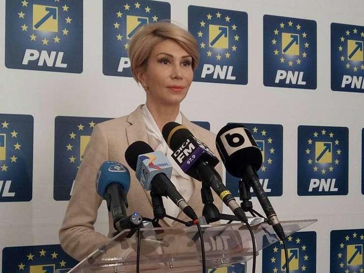 Raluca Turcan critică politicile fiscale ale Guvernului (Sursa foto: Facebook/Raluca Turcan)