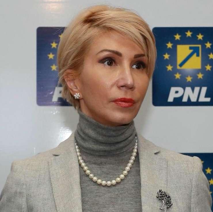 Raluca Turcan critică remanierea Guvernului Dăncilă (Sursa foto: Facebook/Raluca Turcan)