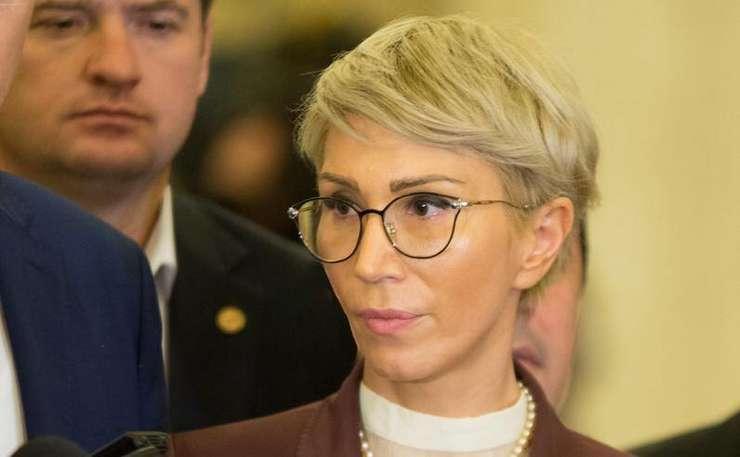 Raluca Turcan, noi critici la adresa premierului Viorica Dăncilă (Sursa foto: Facebook/Raluca Turcan)