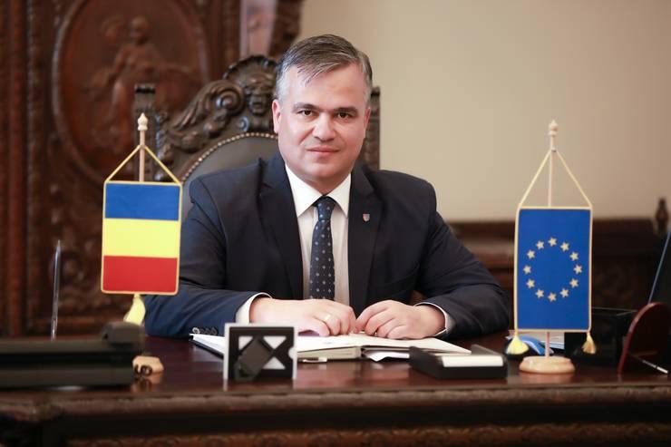 Adrian Veștea îi cere premierului Florin Cîțu bani pentru asistența socială, la rectificarea bugetară (Sursa foto: site CJ Brașov)