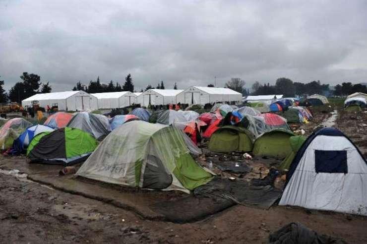 Marile organizații umanitare se retrag din taberele de refugiați grecești, nemulțumite de acordul UE-Turcia