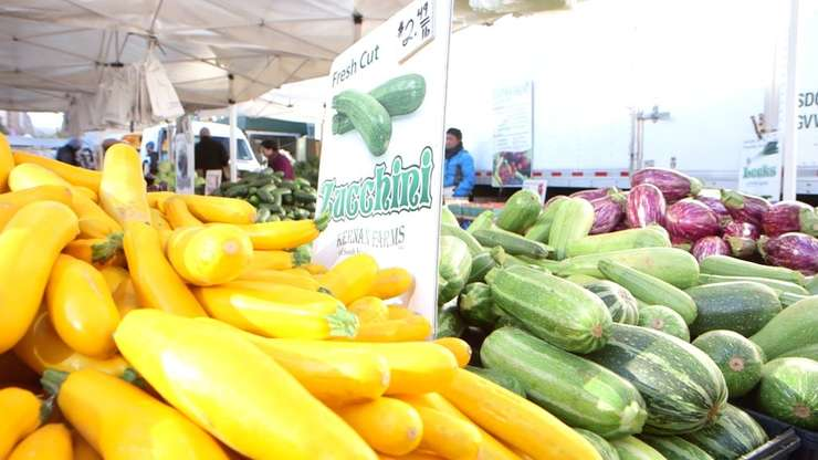 «Regimul de sănătate planetar» recomandat este compus în principal din fructe, legume, cereale complete, o porţie de carne şi peşte.