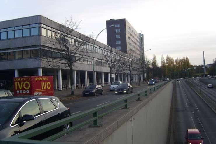 Oficiu de primire a refugiaţilor la Berlin (Foto: William Totok)