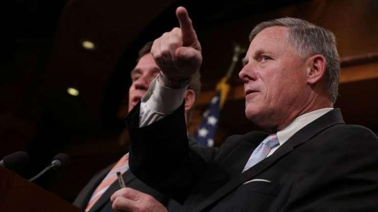 """Richard Burr, presedintele comisiei de informatii din Senatul american, spune cà """"Rusia este implicatà activ în campania electoralà francezà"""""""