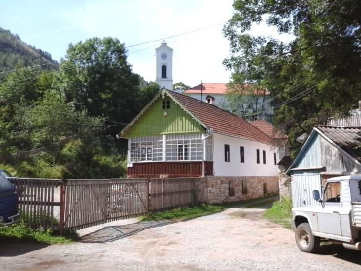 Casă din Roşia Montană (Foto: RFI/Cosmin Ruscior-arhivă)