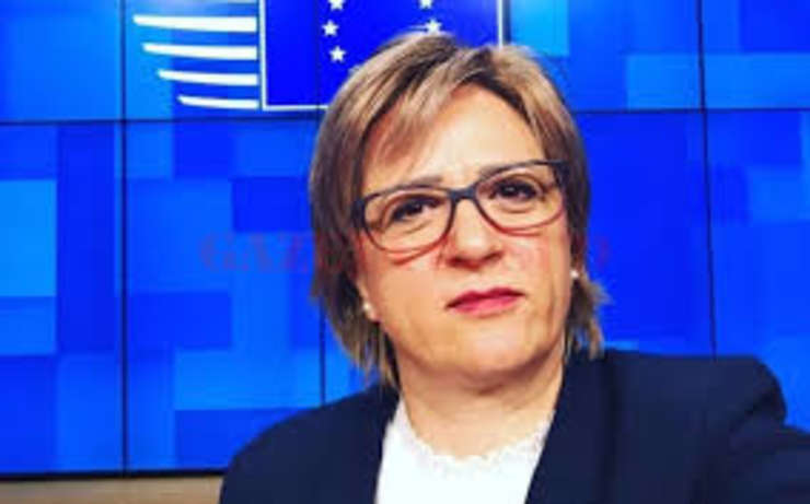 Șefa de cabinet a premierului a demisionat și de la Guvern și din PSD