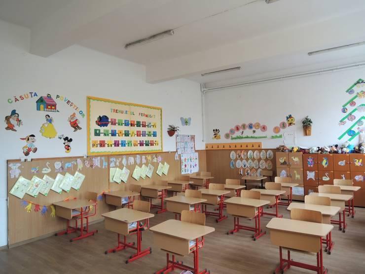 Școlile din România vor fi redeschise începând de luni
