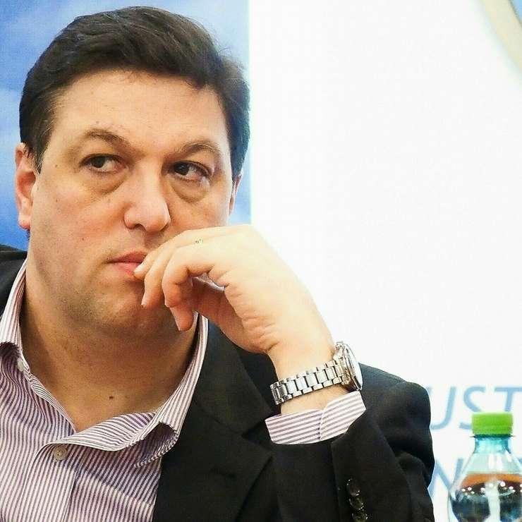 Şerban Nicolae, înlocuit de la şefia Comisiei juridice a Senatului (Sursa foto: Facebook/Şerban Nicolae)