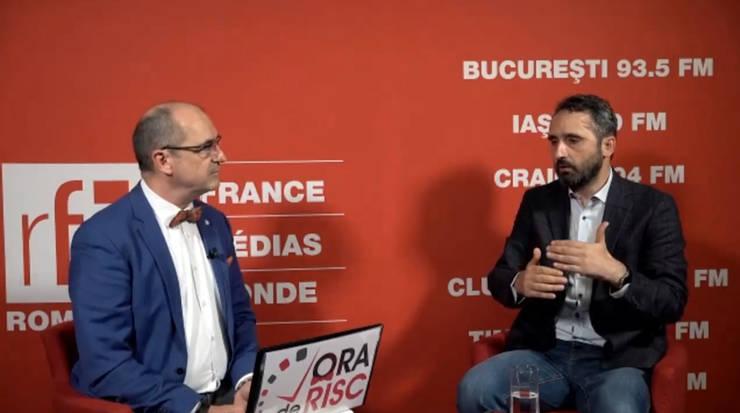 Sergiu COSTACHE și Florian GABA în studioul RFI Romania
