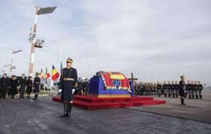 Programul funeraliilor Regelui Mihai. Sinaia, Bucuresti, Curtea de Arges