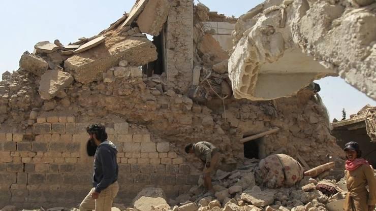 Clàdire distrusà nu departe de orasul Saraqeb, în provincia Idleb. A 10-a aniversare a începutului revolutiei - si a ràzboiului - din Siria a fost marcatà de o actiune judiciarà fàrà precedent.