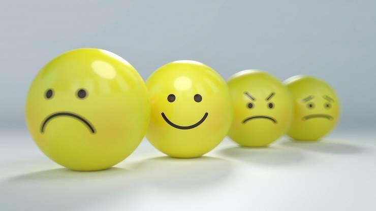 Un studiu vine să demonstreze că există o vârstă a nefericirii. Iar rațiunile pot fi și economice.