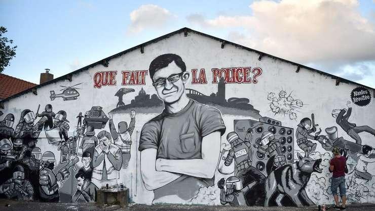 Frescà la Nantes în amintirea lui Steve Maia Caniço, tânàrul dispàrut dupà ce politia a dispersat un grup de tineri pe malurile Loirei de sàrbàtoaera muzicii, în seara de 21 iunie.
