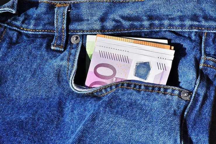 Banii aduc fericirea? Un studiu american spune că da (Sursa foto: pixabay)