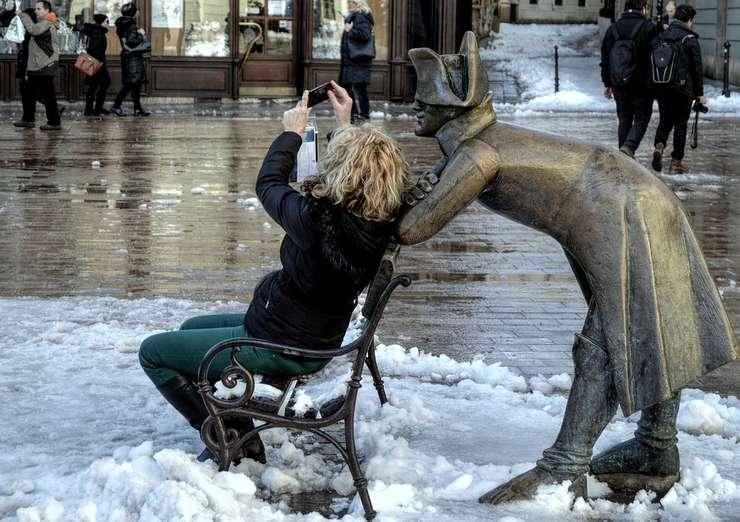 Oamenii nu arată în selfie-uri aşa cum sunt în realitate-studiu (Sursa foto: pixabay)