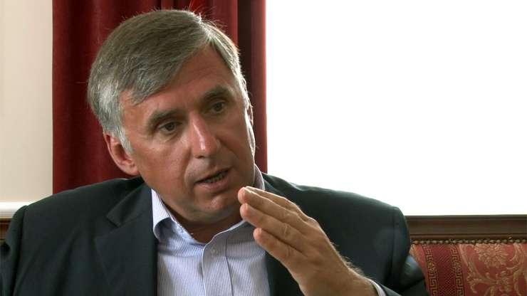 La Chisinau, desemnarea lui Ion Sturza in functia de premier este contestata la Curtea Constitutionala