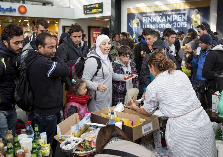 Imigranţi la Malmo, în Suedia (Foto: Reuters/Ola Torkelsson/TT News Agency/arhivă)