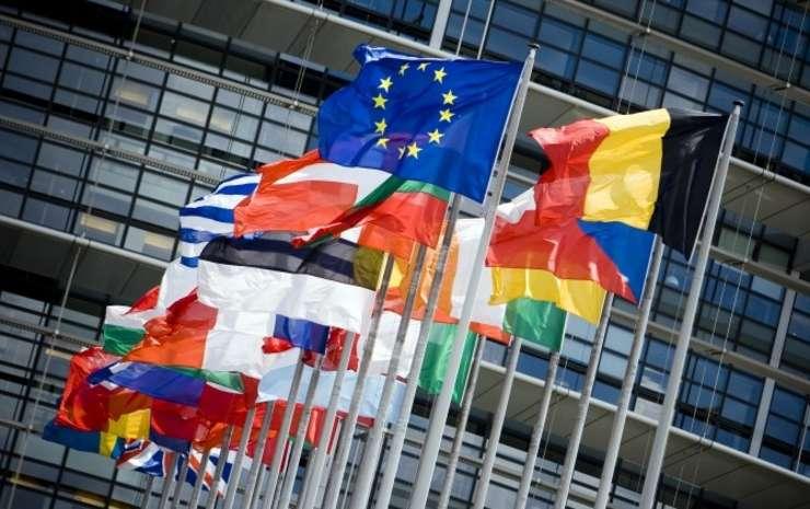 Liderii europeni se reunesc sambata la Bruxelles pentru a stabili liniile directoare pentru Brexit